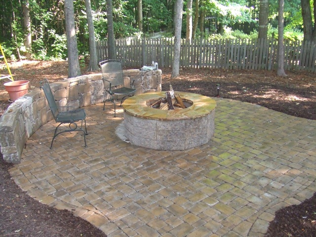 paver_patio_with_seat_wall__firepit_1