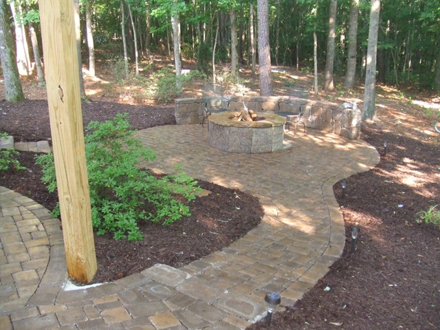 paver_patio_with_seat_wall__firepit_5