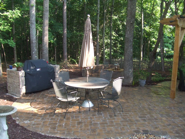 upper_patio_with_outdoor_dining_area__grill_island_3